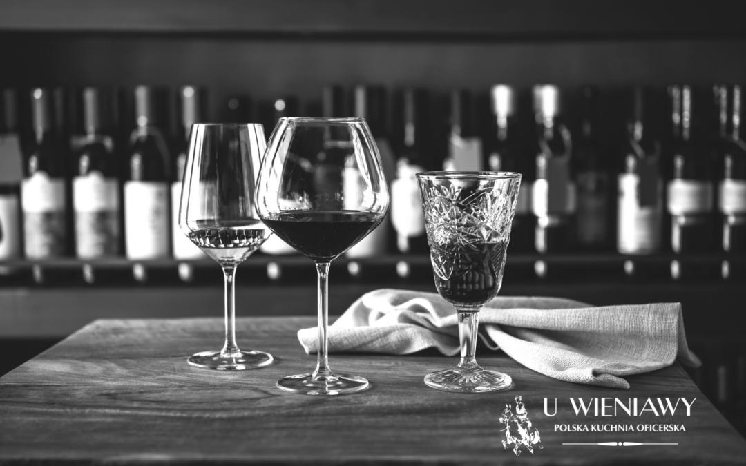 Jak dobrać odpowiedni alkohol do posiłku?